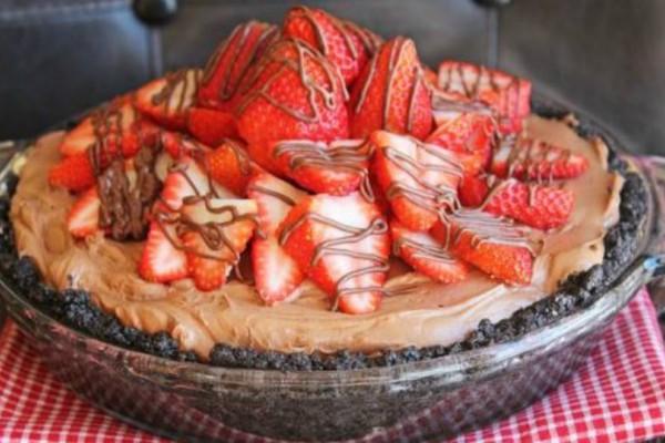 Τάρτα με βάση Oreo, Nutella και φράουλες!