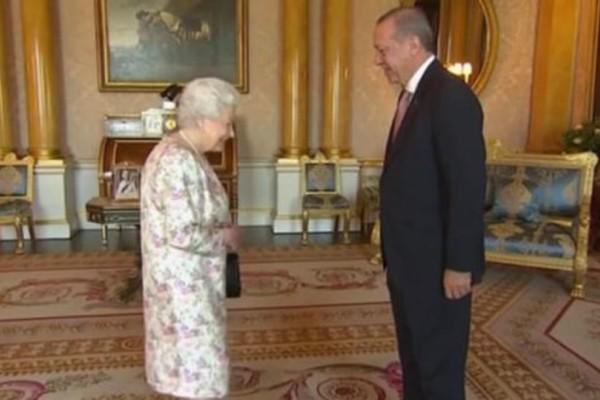 Η συνάντηση του Ερντογάν με την βασίλισσα Ελισάβετ (Photo)