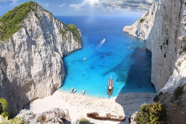 Τα 19 κορυφαία ελληνικά νησιά σύμφωνα με την Telegraph! (photos)