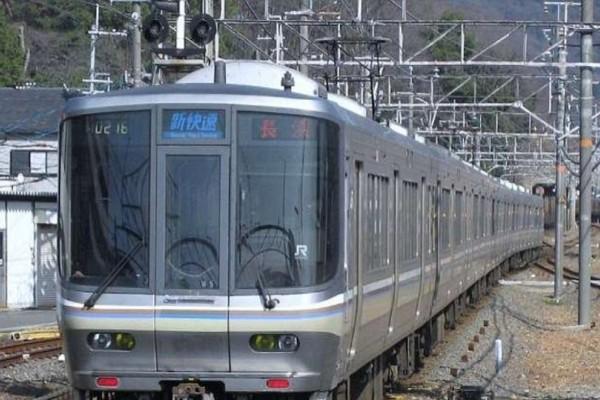 Απίστευτο: Εταιρεία ζήτησε συγγνώμη γιατί το τρένο έφυγε 25 λεπτά νωρίτερα!