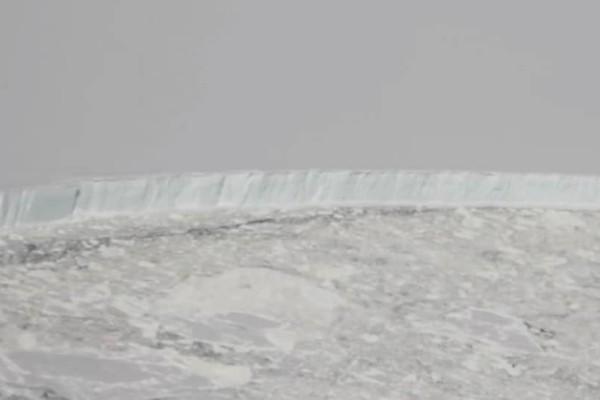 Απίστευτο: Παγόβουνο αποκολλήθηκε από την Ανταρκτική – Εχει τέσσερις φορές το μέγεθος του Λονδίνου (video)