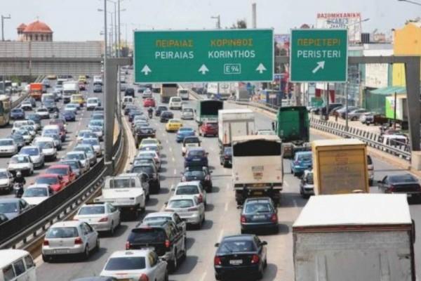 Με δυσκολία η κυκλοφορία στους δρόμους! Δείτε live σε ποια σημεία είναι αυξημένη η κίνηση