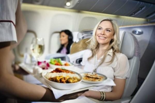 9 πράγματα που μπορείς να ζητήσεις δωρεάν στο αεροπλάνο και δεν τα ξέρεις!