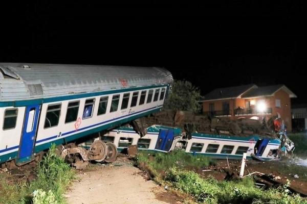 Τραγωδία στην Ιταλία: Σφοδρή σύγκρουση τρένου με φορτηγό με 2 νεκρούς και αρκετούς τραυματίες!
