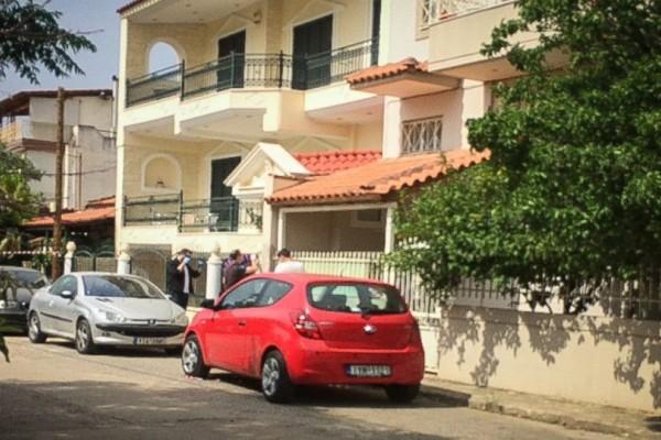 Δολοφονία στην Μάνδρα: Αυτός είναι ο πρώην σύζυγος της νεκρής και ποδοσφαιρικός παράγοντας!