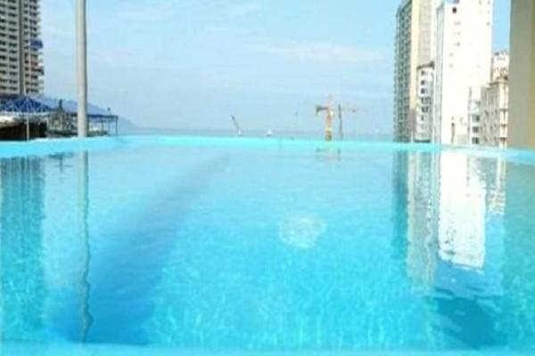 Τραγικό: Της «πούλησαν» χλιδάτη πισίνα με θέα και έγινε viral! - Αυτό που αντίκρισε ήταν απίστευτο! (Photo)