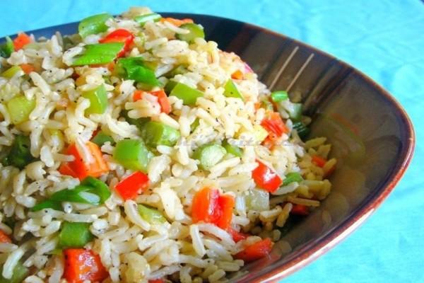 Ένα ελαφρύ πιάτο: Ανοιξιάτικο ρύζι με λαχανικά!