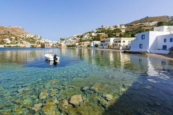 Ο Τάσος Δούσης σου προτείνει 5 γοητευτικά, low profile νησιά της Ελλάδας που αξίζει να εξερευνήσεις φέτος το καλοκαίρι! (photos)