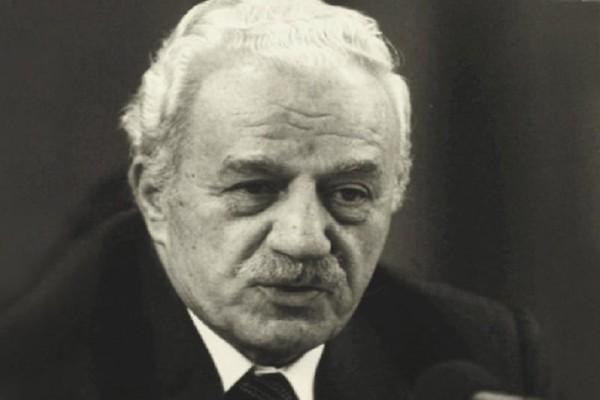 Σαν σήμερα στις 22 Μαΐου το 2005 πέθανε ο Χαρίλαος Φλωράκης