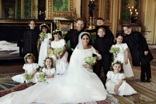 Βασιλικός γάμος: Το παλάτι δημοσίευσε τις πρώτες επίσημες φωτογραφίες  (Photos)