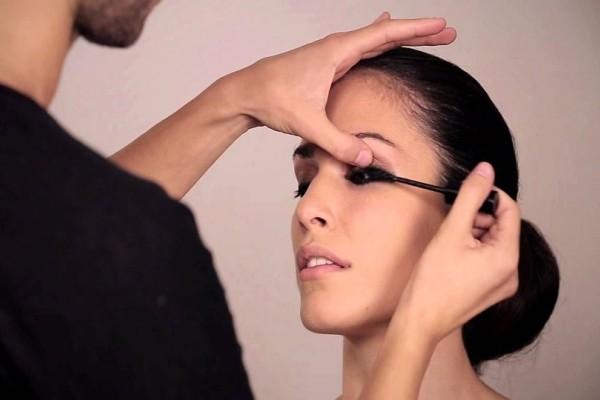 Κορίτσια δώστε βάση: 5 λάθη που κάνετε όταν αφαιρείτε το μακιγιάζ από τα μάτια!