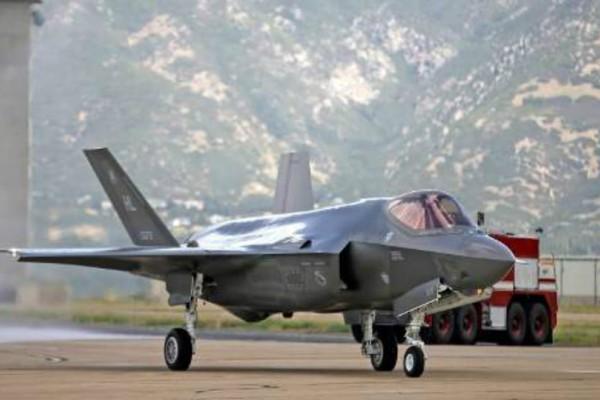 Τσαβούσογλου: «Η Τουρκία θα στραφεί αλλού, αν οι ΗΠΑ παγώσουν την πώληση των F-35»