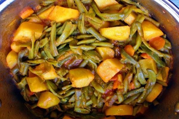 Ένα φανταστικό πιάτο: Φασολάκια με χταπόδι και πατάτες!