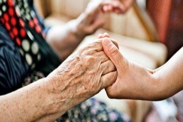 Προσοχή: Κι όμως η υπνηλία μας προειδοποιεί για το Αλτσχάιμερ!