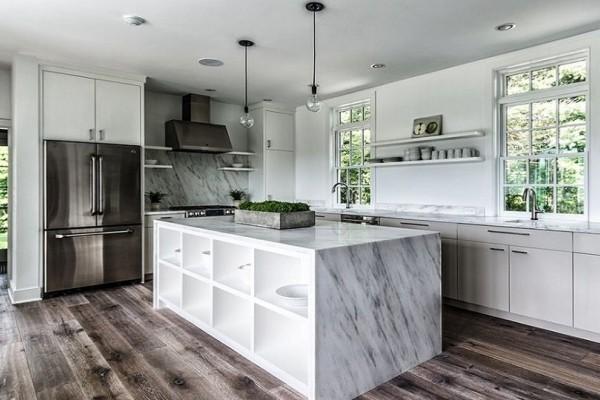 Θα σας λύσει τα χέρια: Αυτός είναι ο πιο οικονομικός τρόπος για να ανανεώσετε το πάτωμα της κουζίνας!