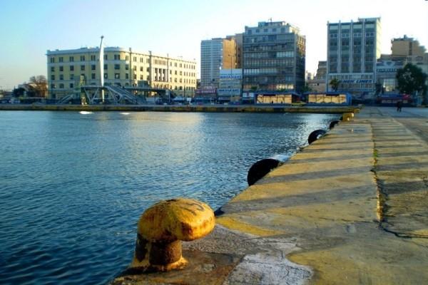 «Θρίλερ» με τον άνδρα που έπεσε στο λιμάνι του Πειραιά!