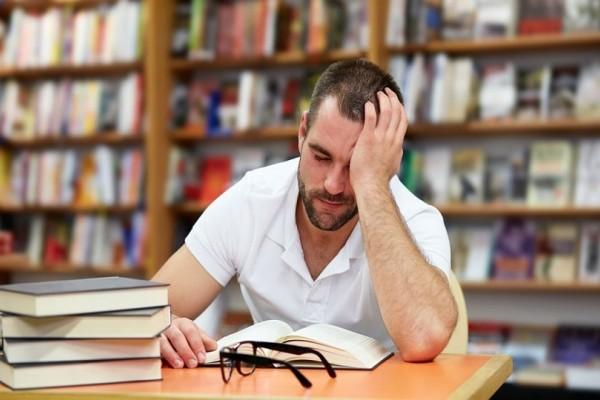Νιώθεις διαρκώς εξαντλημένος; - Αυτή η βιταμίνη λείπει από τη διατροφή σου!