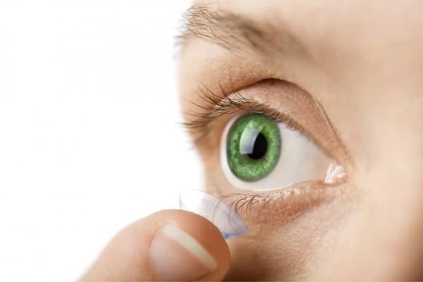 Άκρως πρωτοποριακό: Νέοι φακοί επαφής θα εκτοξεύουν ακτίνες λέιζερ από τα μάτια! (Photo)