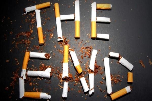 Θέλεις να βρεις γυναίκα; Κόψε το κάπνισμα!