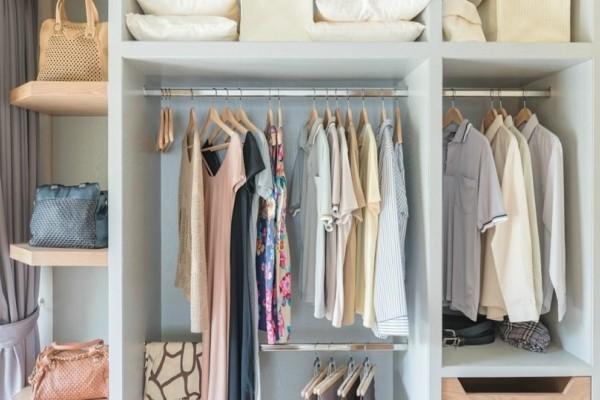 Ένα εύκολο και πρακτικό κόλπο για να κάνετε την ντουλάπα σας διπλάσια!