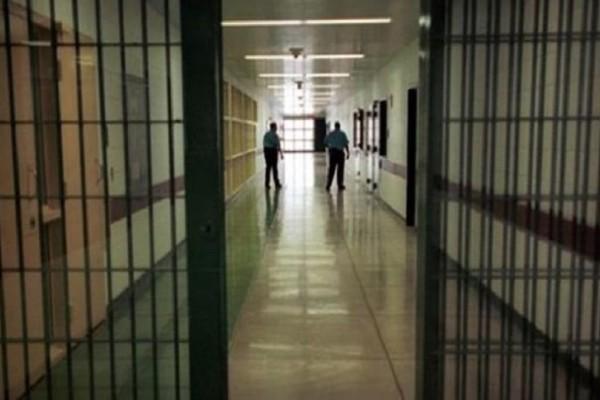 Στα χέρια της ΕΛ.ΑΣ. παράνομο κύκλωμα που έδινε πλαστά χαρτιά σε κρατούμενους!