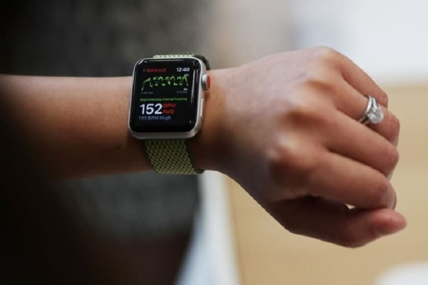 Apple Watch: Πώς έβαλε σε μπελάδες μία οδηγό! - «Έφαγε» πρόστιμο 310 δολάρια!