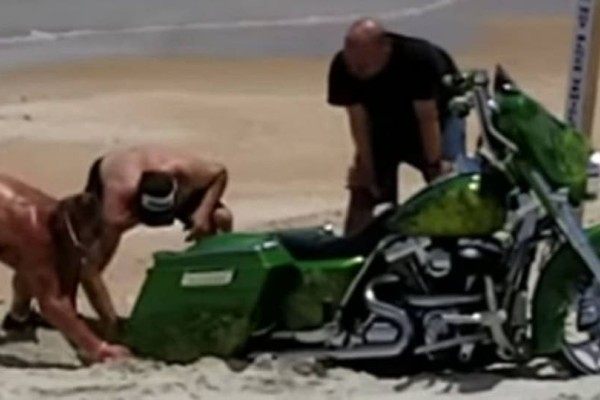 Η... άγνοια ενός οδηγού τον έβαλε σε μπελάδες! (Video)
