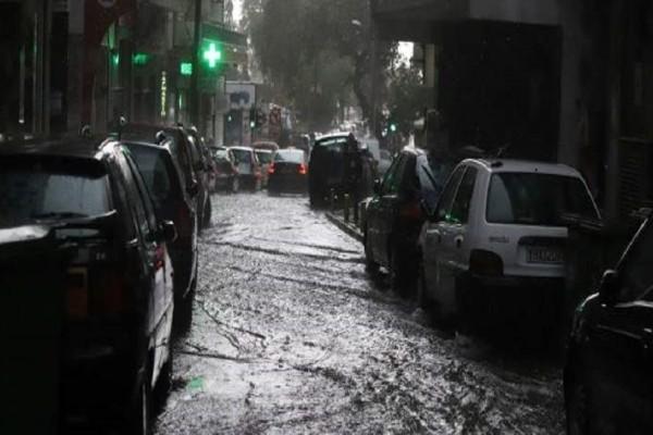 Ο «Μίνωας» χτύπησε την Κρήτη! - Σφοδρή βροχόπτωση και χαλάζι έχουν πλήξει το νησί! (Video)