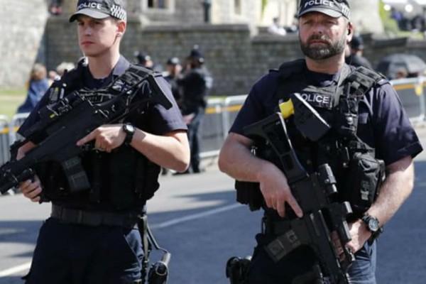 Λονδίνο: Βρέφος ενός έτους θύμα επίθεσης με μαχαίρι!