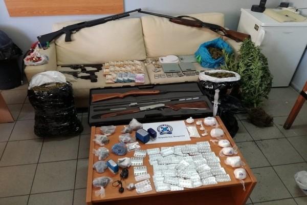 Μεγάλη επιχείρηση σε καταυλισμούς Ρομά: Βρέθηκαν όπλα, ναρκωτικά και 93.000 ευρώ!