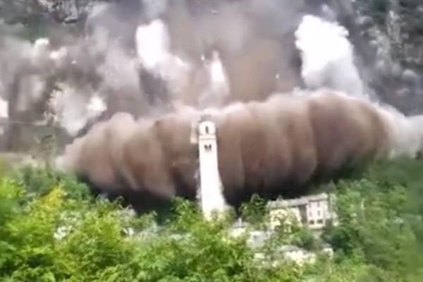 Συγκλονιστικό βίντεο: Κατολίσθηση «καταπίνει» μοναστήρι!