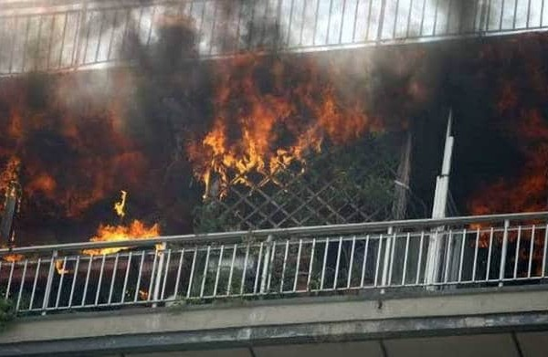 Πυρκαγιά σε διαμέρισμα στο Χαλάνδρι! Εκκενώθηκε πολυκατοικία!