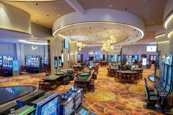 Κύπρος: Άνοιξε το πρώτο νόμιμο καζίνο!