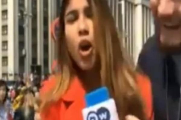 Τραγικό: Άνδρας επιτέθηκε σε ρεπόρτερ, της έπιασε το στήθος και τη φίλησε!