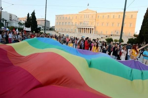 Η Βουλή θα ντυθεί για πρώτη φορά το Σάββατο στα χρώματα του gay pride!