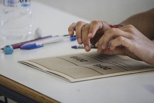 Πανελλαδικές Εξετάσεις 2018: Οι απαντήσεις στα θέματα της Έκθεσης!