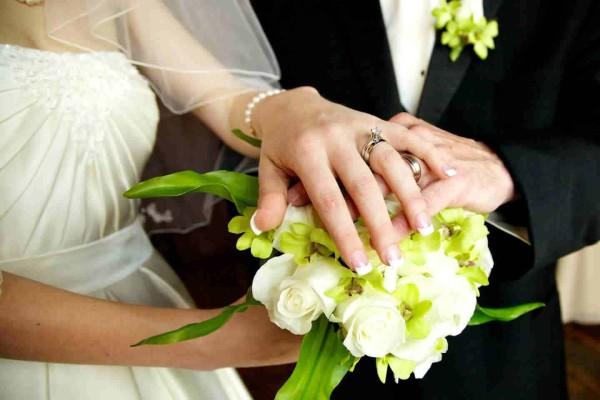 Σάλος στο Αγρίνιο: Η νύφη έπιασε τον πατέρα της στα πράσα με...
