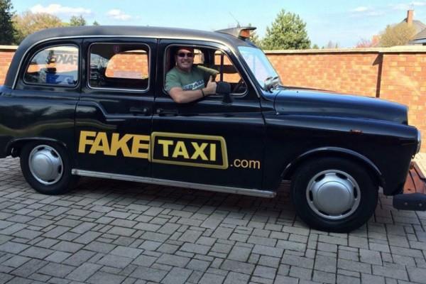 Απίστευτο: Έκλεψαν το Fake Taxi (video)