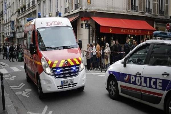 Πανικός στη Γαλλία: Γυναίκα επιτέθηκε με μαχαίρι μέσα σε σούπερ μάρκετ!