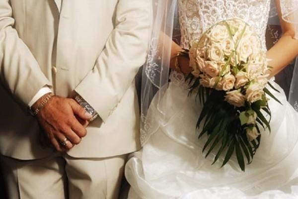 Αυτός ήταν ο πιο ξεχωριστός γάμος υπερπαραγωγή στην Κρήτη! - Το ζευγάρι παντρεύτηκε με μόλις...  69 κουμπάρους!