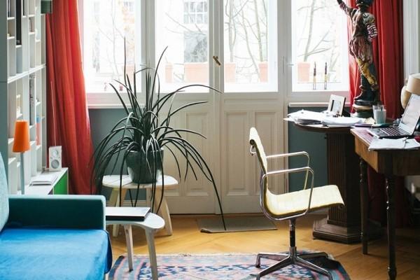Για όλα υπάρχει τρόπος: 3 tips για να φτιάξετε ένα μικρό και χαρούμενο home office! (Photo)