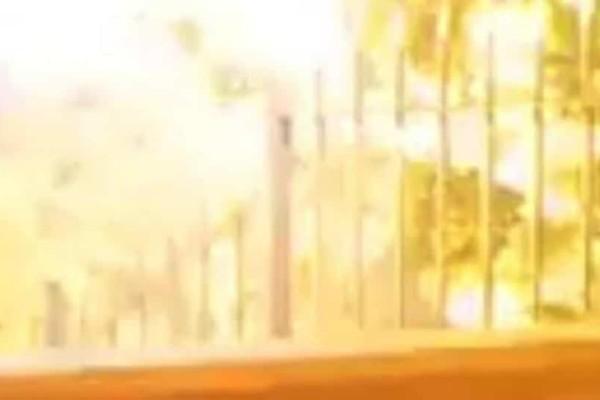Βίντεο σοκ από την Ρόδο: Πίνουν τον καφέ τους και σκάει... κεραυνός δίπλα τους!