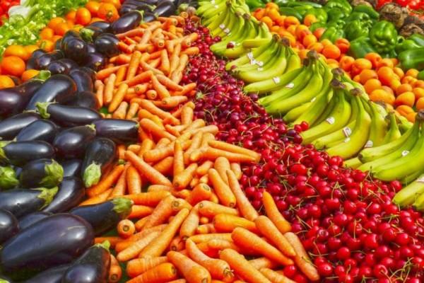 Διατροφή: Αυτά είναι τα φρούτα και τα λαχανικά που καταναλώνουμε τον Ιούνιο