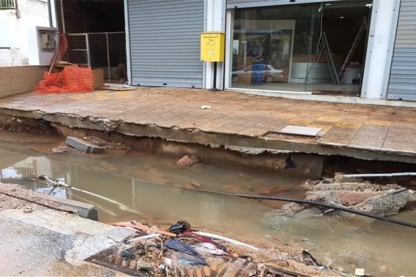 Τουλάχιστον 400 σπίτια και καταστήματα καταστράφηκαν εξαιτίας της κακοκαιρίας!