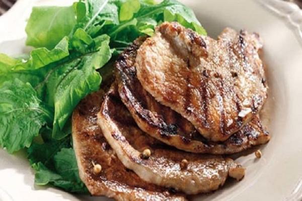 Η συνταγή της ημέρας: Χοιρινά μπριζολάκια στο φούρνο!