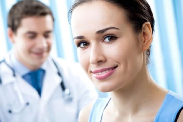 «Πόσο σχολαστική πρέπει να είμαι με τον καθαρισμό της ευαίσθητης περιοχής πριν το τεστ ΠΑΠ για αξιόπιστο αποτέλεσμα;» - Τι απαντά ο γυναικολόγος;