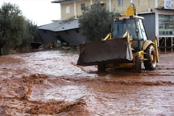 Η Δυτική Αττική «θάφτηκε» και πάλι στην λάσπη! - Η έντονη βροχόπτωση προκάλεσε πλημμύρες σε δεκάδες μαγαζιά και σπίτια! (Photo & Video)