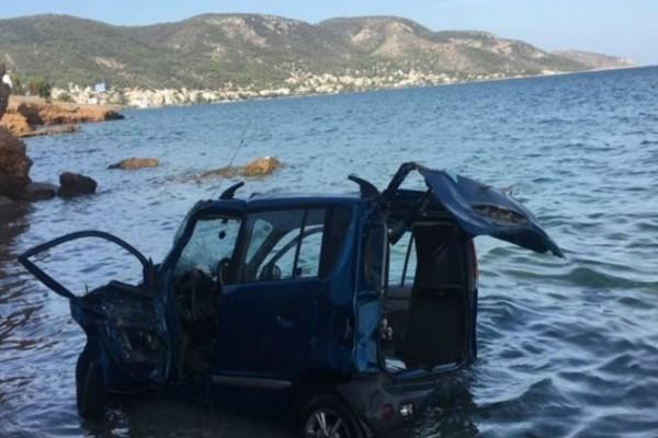 Σαλαμίνα: Πολλαπλά κατάγματα για 49χρονη που έπεσε με το αυτοκίνητο στη θάλασσα!