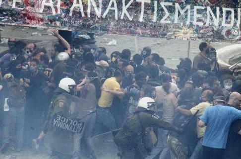 Αθώοι οι 18 αστυνομικοί που είχαν μηνύσει Τσίπρας-Κωνσταντοπούλου το 2011