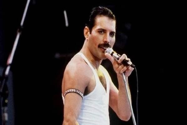 Αυτό είναι το επίσημο τρέιλερ της ταινίας - αφιέρωμα στους Queen! (Video)